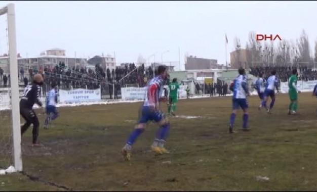 Kars'ta Antrenör 3-2'yle Sevinçten Çılgına Döndü